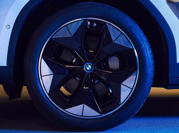 BMW réinvente la roue pour les voitures électriques